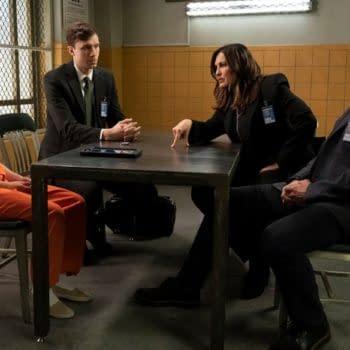 """Law & Order: Mariska Hargitay Boot-Free, Shares """"Happy Feet"""" Dance"""