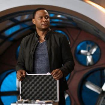 "The Flash Season 7 ""P.O.W."" Preview: John Diggle Comes Bearing Gifts"