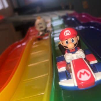 Hot Wheels Mario Kart Rainbow Road Track is a Collectors Dream