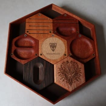 Review: Wyrmwood's Tabletop Hexagonal Gaming System