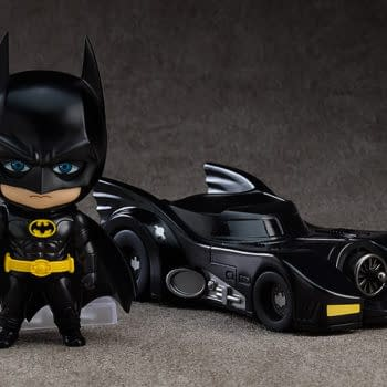 Batman 1989 and the Batmobile Drive On In To Good Smile