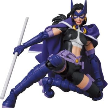 DC Comics Huntress Arrives in Gotham with New MAFEX Figure