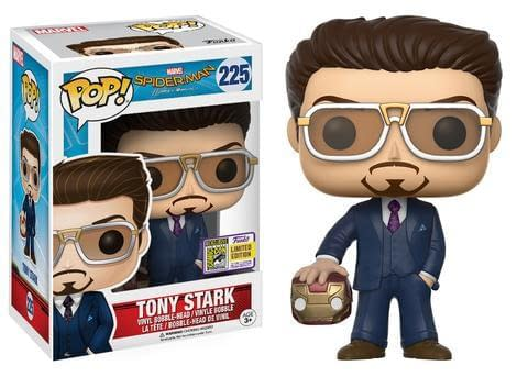 sdcc-marvel-funko-exclusive-iron-man-holding-helmet