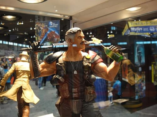 C2E2: Cosplay, Statues And Shields