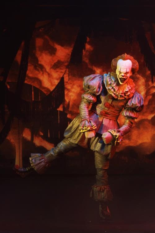 NECA Ultimate Pennywise Version 3 10