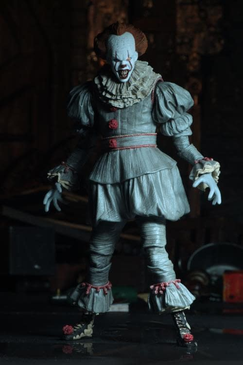 NECA Ultimate Pennywise Version 3 9