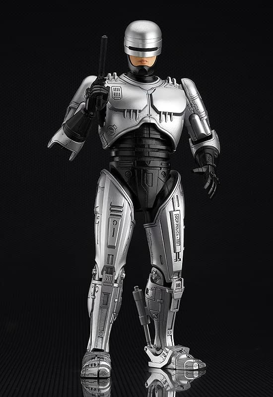 RoboCop Brings Fans To Good Smile Company Dead or Alive