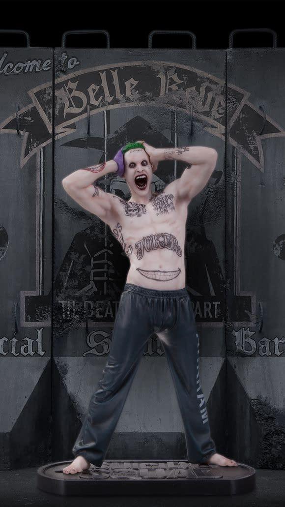635890571751689241-SS-The-Joker-Statue-1