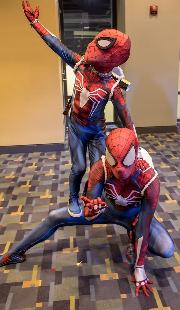 22 Cosplay Photos from Saturday at Awesome Con 2018