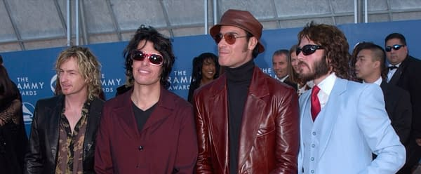 Pop group STONE TEMPLE PILOTS at the 43rd Annual Grammy Awards in Los Angeles. 21FEB2001. Editorial credit: Featureflash Photo Agency / Shutterstock.com