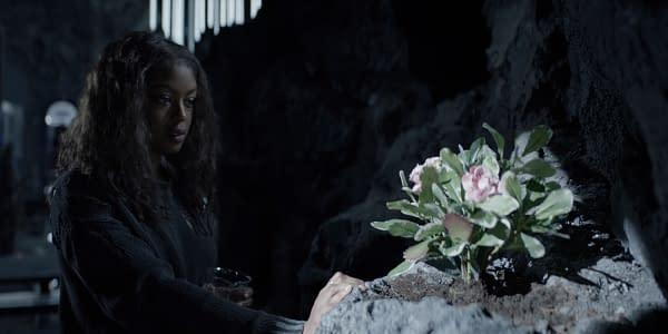Batwoman Season 2 Teaser: Ryan's Ready to Cut Off The Serpent's Head