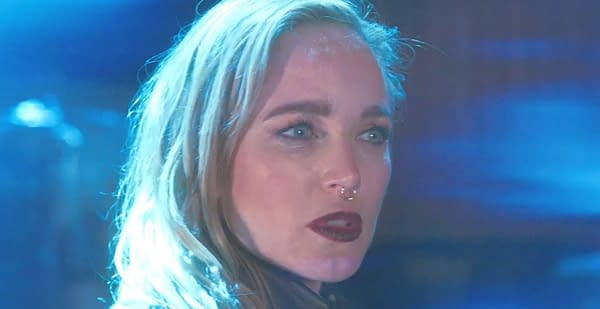 Sara (Caity Lotz) getting beamed up by aliens on DC's Legends of Tomorrow (Image: The CW).