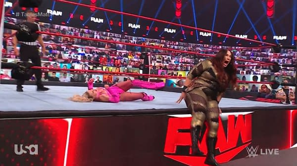 Nia Jax injures her hole on WWE Raw, creating an instantly viral moment.
