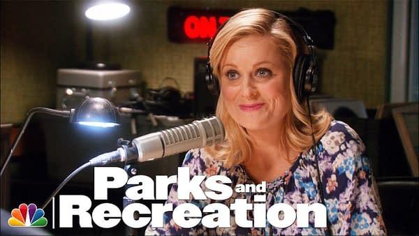 Leslie Sends Out a Bat Signal - Parks and Recreation