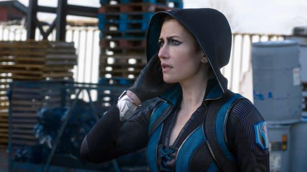 Supergirl Fans Want Kara/Lena Supercorp Ship Canon; Game Night Debate