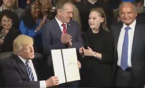 Left to Right: President Donald Trump, VA Secretary David Schulkin, Laura Perlmutter, Ike Perlmutter
