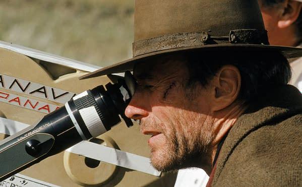 Clint-Eastwood-shooting-U-001