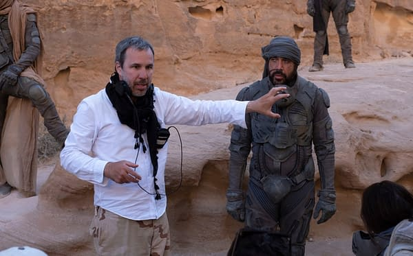 Copyright: © 2020 Warner Bros. Entertainment Inc. All Rights Reserved. Photo Credit: Chiabella James Caption: (L-r) Director DENIS VILLENEUVE and JAVIER BARDEM on the set of Warner Bros. Pictures and Legendary Pictures' action adventure