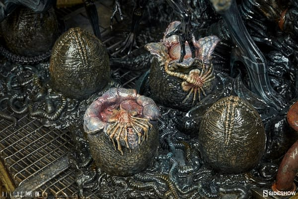 Alien Queen Bursts Onto the Scene from Sideshow Collectibles