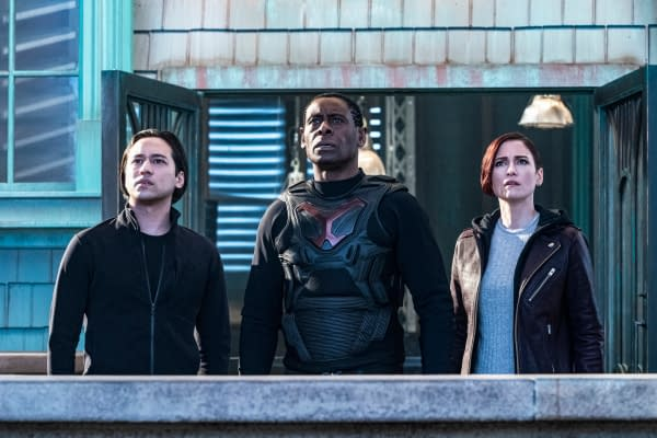 Jesse Rath as Brainiac-5, David Harewood as Hank Henshaw/J'onn J'onzz, and Chyler Leigh as Alex Danvers in Supergirl, courtesy of The CW.
