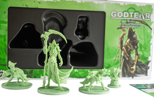 An array of the components that come with Styx's boxed set for Godtear.