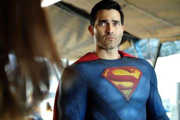 Superman & Lois: Tyler Hoechlin Grew Up Thinking He Would Be Batman