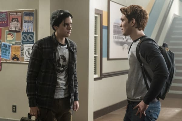 "Riverdale -- ""Chapter Seven: In A Lonely Place"" -- Image Number: RVD107a_0022.jpg -- Pictured (L-R): Cole Sprouse as Jughead Jones and KJ Apa as Archie Andrews -- Photo: Katie Yu/The CW -- © 2017 The CW Network. All Rights Reserved"