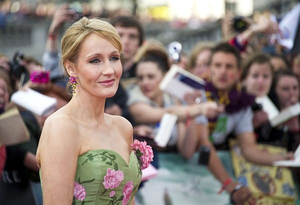 JK Rowling Urges Fans To Not Believe 'Potter Clickbait' About Dumbledore In Fantastic Beasts 2