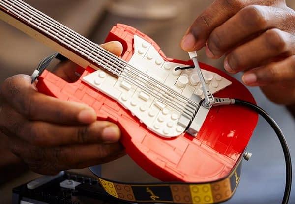 LEGO Reveals Ideas 1970 Fender Stratocaster Mini-Replica Set