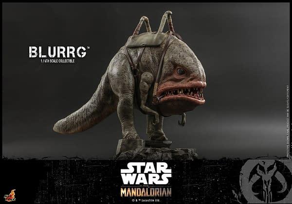 Hot Toys Reveals Star Wars The Mandalorian and Blurg 1/6 Figure Set