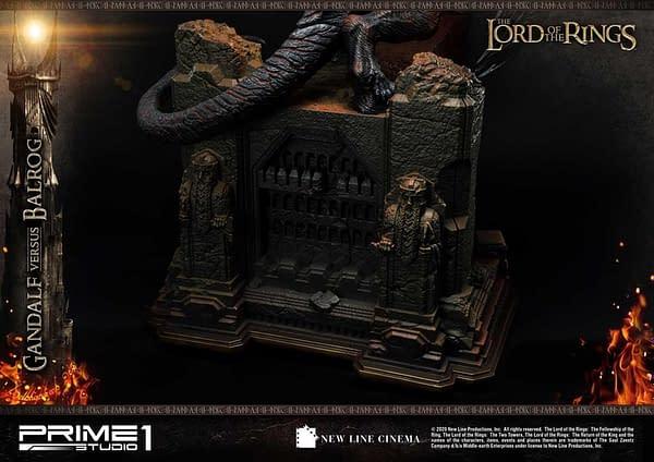 Gandalf Takes on the Balrog in New LOTR Prime 1 Studio Statue