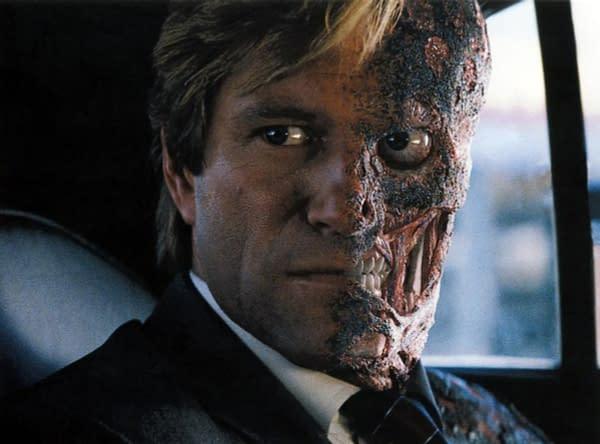 """""""Batman"""": Aaron Eckhart Says Heath Ledger, Joaquin Phoenix Set Performance Bar"""