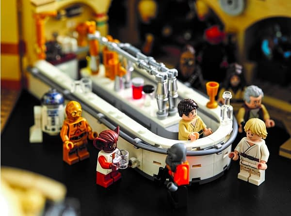 Star Wars Fans Can Build Mos Eisley Cantina with LEGO