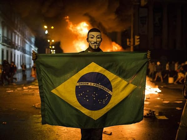 brazilprotestomascarafogo17junap