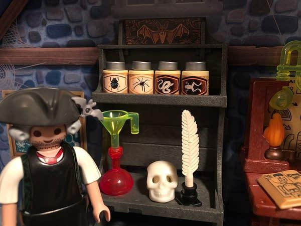 Playmobil Take Along Haunted House 11