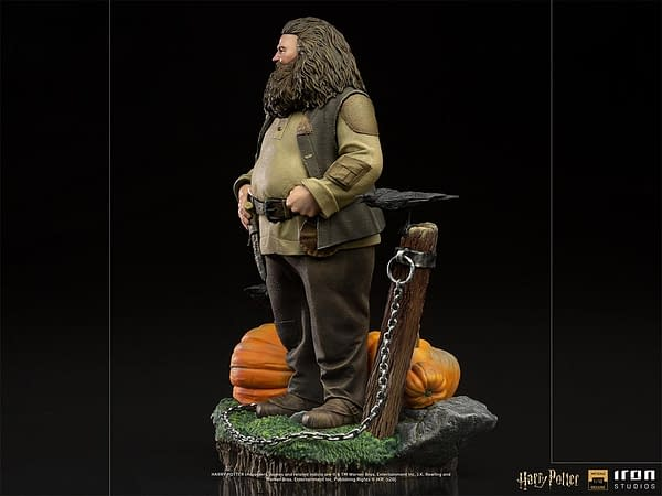 Hagrid Prepares for Halloween with New Statue from Iron Studios