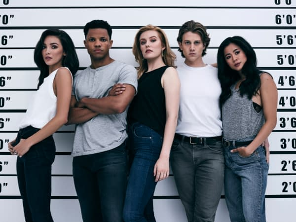 Nancy Drew -- Image Number: NCD_Cast Shot_2119rc.jpg -- Pictured (L-R): Madison Jaizani, Tunji Kasim, Kennedy McMann, Alex Saxon and Leah Lewis -- Photo: Miller Mobley/The CW -- © 2020 The CW Network, LLC. All Rights Reserved.