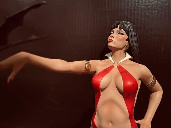 Vampirella Continues to Make Vampires Sexy with Dynamite Entertainment