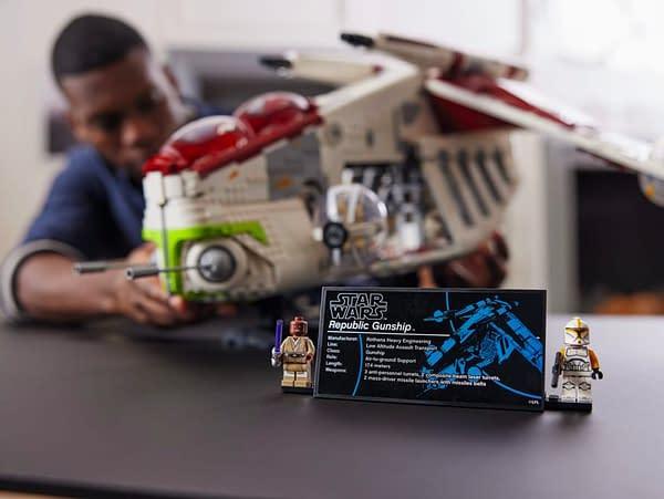 LEGO Reveals Massive Star Wars Republic Gunship Set