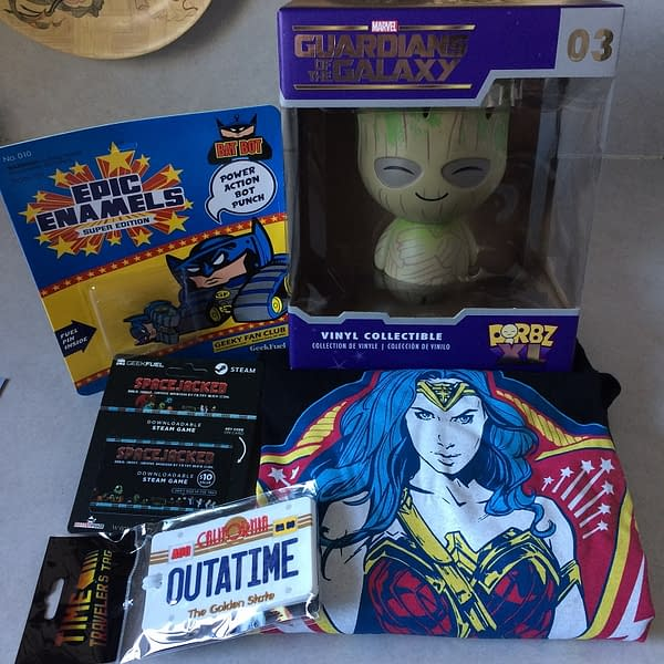 What's In The Box?!: Geek Fuel XL – August 2017
