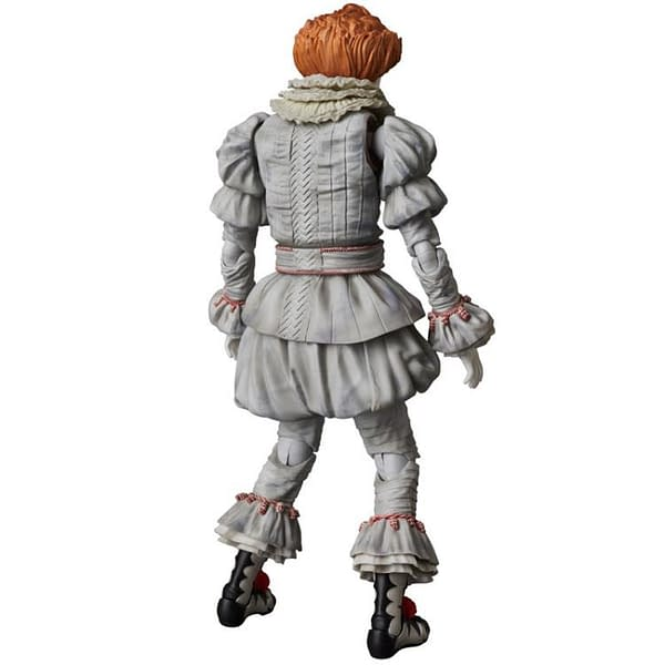 Pennywise MAFEX Figure 3