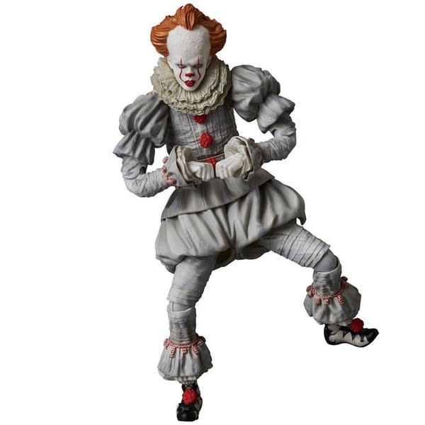 Pennywise MAFEX Figure 4