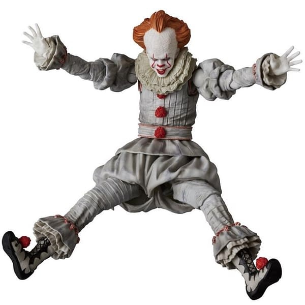 Pennywise MAFEX Figure 5