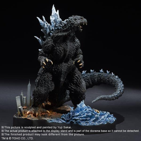 X-Plus-Godzilla-2004-Statue-004