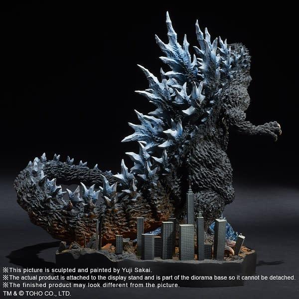 X-Plus-Godzilla-2004-Statue-005