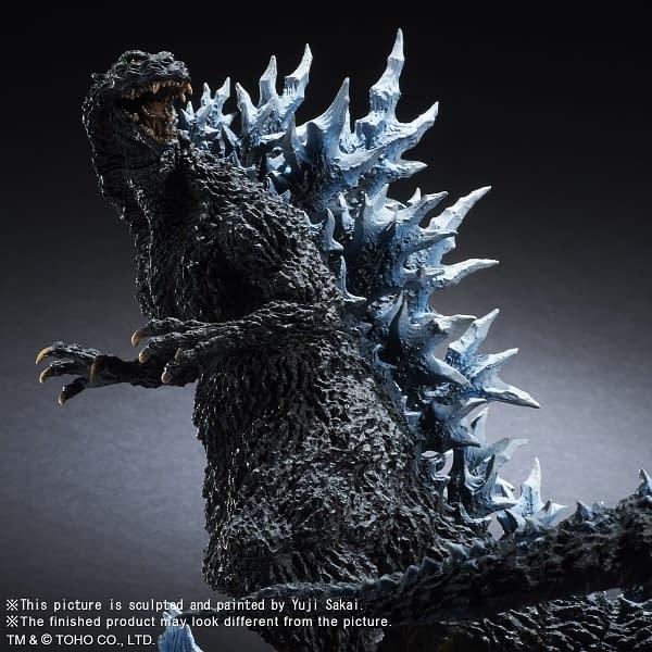 X-Plus-Godzilla-2004-Statue-006