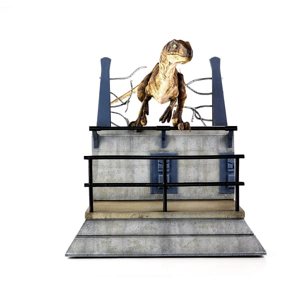Jurassic Park Raptor Breakout Statue Announced by Chronicle