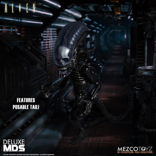 Mezco Toyz Releases Deluxe Xenomorph Designer Series Alien Figure