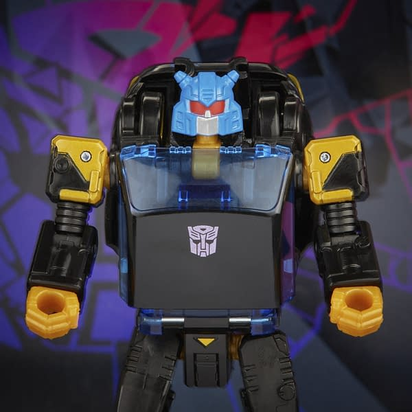Transformers Shattered Glass Goldbug Joins The Fight With Hasbro