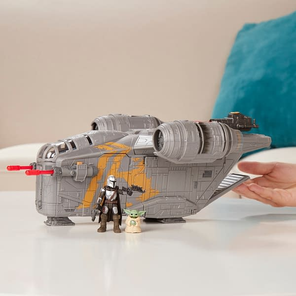 The Mandalorian Mission Fleet Razor Crest Takes Off With Hasbro